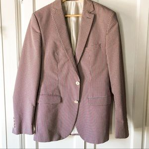 Red, white and blue small check sports coat 38R